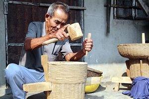 'Sống lại' nghề làm cối xay tre truyền thống