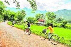 Nhiều điểm đến gần Hà Nội hút khách