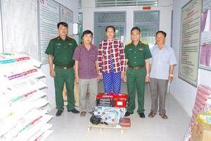 Bộ CHQS tỉnh Bạc Liêu giúp dân thiết thực