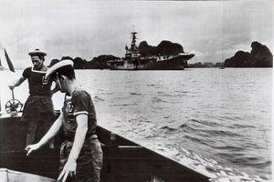 Ngỡ ngàng: Hai tàu sân bay khổng lồ từng tới vịnh Hạ Long