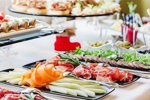 Tổ chức sự kiện, đặt tiệc tại nhà: Xu hướng mới lên ngôi trong dịch vụ ăn uống