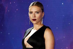 'Black Widow' Scarlett Johansson quá đỗi gợi cảm trên thảm đỏ 'Avengers: Endgame'