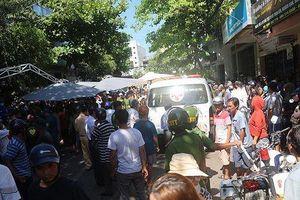 Xe Lexus đâm vào đám tang, 3 người chết, 8 người nhập viện