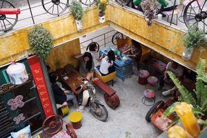 Unique cafe spreads environmental message
