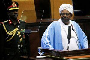 Tổng thống Sudan Bashir buộc phải từ chức do làn sóng biểu tình rầm rộ