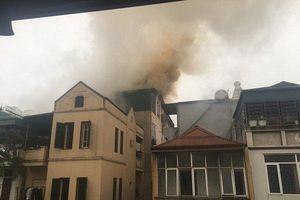 'Bà hỏa' thiêu rụi căn nhà 5 tầng tại Hà Nội