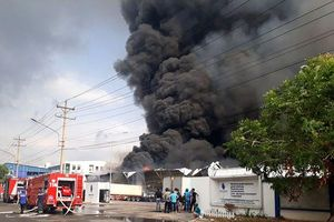 Bình Dương: Đang cháy cực lớn trong khu công nghiệp Sóng Thần 2