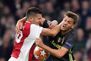 Ronaldo tỏa sáng, Juventus vẫn ôm hận vì sai lầm chết người