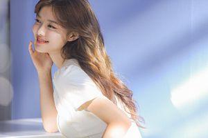 Thiếu nữ đẹp nhất Hàn Quốc 'hút mắt' nhờ gu thời trang tinh tế
