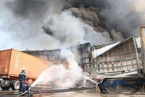 Bất ngờ cháy lớn tại Khu công nghiệp Sóng Thần 2 Bình Dương