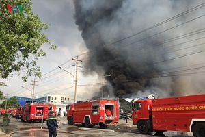 Bình Dương: Khống chế vụ cháy nhà kho tại Khu công nghiệp Sóng Thần 2