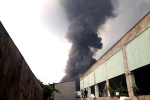 Cháy lớn tại khu công nghiệp Sóng Thần 2 ở Bình Dương: Gần 20.000m2 nhà xưởng bị thiêu rụi