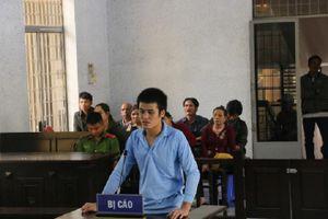 Đắk Lắk: Nam thanh niên dùng liềm giết người lĩnh án 8 năm tù
