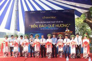 Triển lãm ảnh 'Biển, đảo quê hương' - Vẻ đẹp thiên nhiên, con người Việt Nam