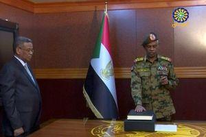 Hội đồng Quân sự Sudan cam kết duy trì chính phủ dân sự