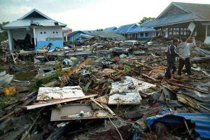 Động đất mạnh tấn công Indonesia, cảnh báo sóng thần