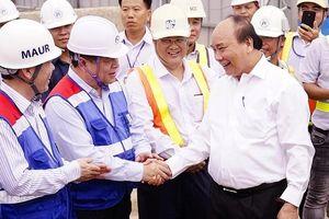Thủ tướng Nguyễn Xuân Phúc thị sát tuyến Metro số 1