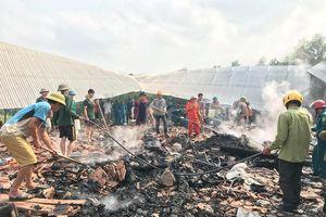 Nghệ An: Cháy rụi nhà sàn 3 gian, 1 người thiệt mạng