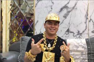 Phúc XO dùng 20kg vàng giả, đại gia nào đeo vàng nhiều nhất Việt Nam?
