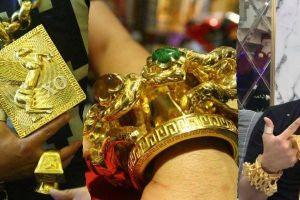 Choáng váng với sự thật về số vàng Phúc XO đeo trên người