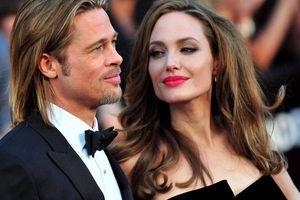 Angelina Jolie lại 'giở trò' gì khi đòi quay lại với Brad Pitt?