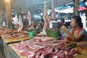 Dịch chưa tới, ngành chăn nuôi Hà Tĩnh đã lao đao
