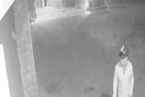 Nửa đêm, nhà riêng của phóng viên báo Thanh Niên bị người lạ mặt khóa bên ngoài