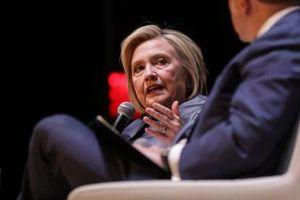 Sóng gió WikiLeaks: Bất ngờ đòn 'đá xoáy' Tổng thống Trump của bà Hillary Clinton