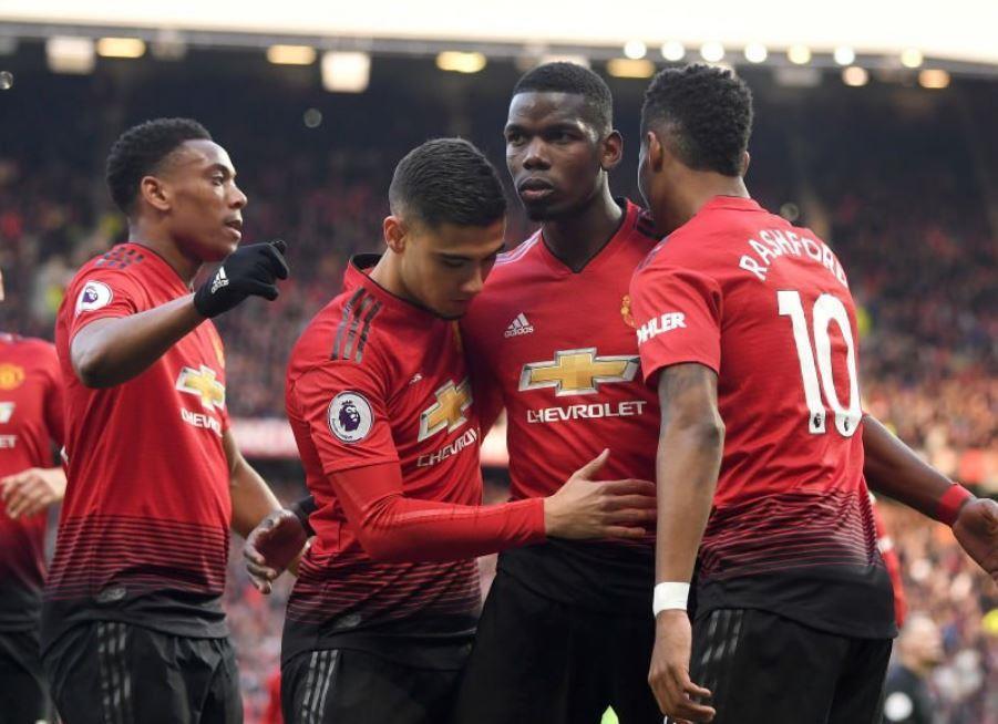 Man Utd 2-1 West Ham: Pogba lập cú đúp trên chấm 11 m