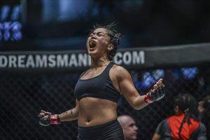Màn knock-out hạ đối thủ Indonesia của nữ võ sĩ gốc Việt