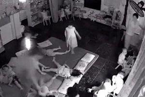 Giáo viên mầm non 'quăng quật' các bé khi xếp chỗ ngủ trưa