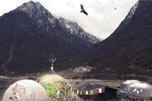 Trường đại học trên núi ở Nepal
