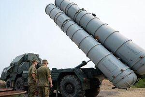 Israel không kích vào thành phố đặt hệ thống phòng thủ S-300 của Syria