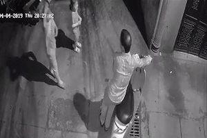 Tạm giữ nghi phạm xâm hại 2 bé gái trong ngõ ở Hà Nội