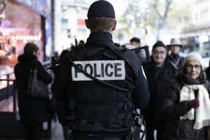 Báo động về sự quá tải của cảnh sát Pháp