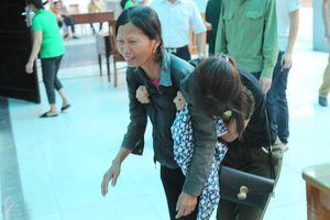 Ám ảnh những tiếng nấc nghẹn của người thân 8 nạn nhân vụ chết cháy tại Hà Nội