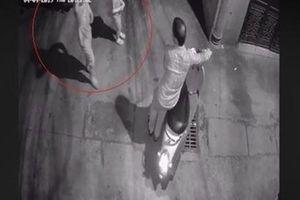 Tạm giữ hình sự nghi phạm sàm sỡ 2 bé gái trong ngõ tối ở quận Thanh Xuân