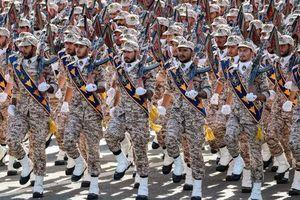 Coi Vệ binh Cách mạng Iran là khủng bố: Mỹ tự 'vác đá đập chân mình'?