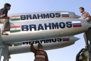 Tên lửa BrahMos tăng tầm lên 900km, Trung Quốc có choáng ngợp?