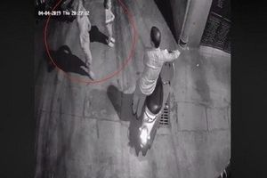 Nghi can sàm sỡ hai bé gái trong ngõ tối ở Hà Nội bị tạm giữ