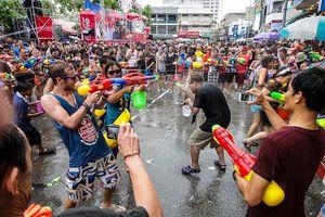 Loạt sao Việt 'đưa nhau đi trốn', hào hứng sang Thái Lan tham gia lễ hội té nước Songkran