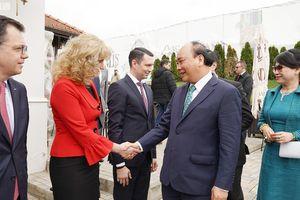 Thủ tướng Nguyễn Xuân Phúc thăm Romania