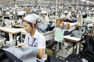 Lao động ngành may mặc lương không đủ sống