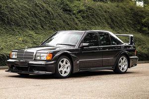 Khởi nguồn Mercedes-Benz C-Class - sinh ra từ sức ép của BMW