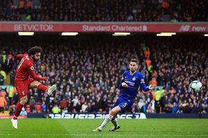 Salah 'hạ sát' Chelsea, Liverpool giật ngôi đầu bảng từ Man City