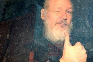 Ông Trump không biết trước vụ bắt giữ Julian Assange