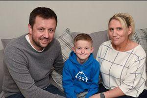 Bị ngưng tim 15 phút, cậu bé vẫn sống nhờ được bố sơ cứu