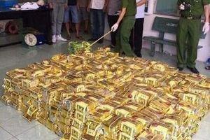 Bắt nhóm đối tượng 'ôm' 600 kg ma túy đá