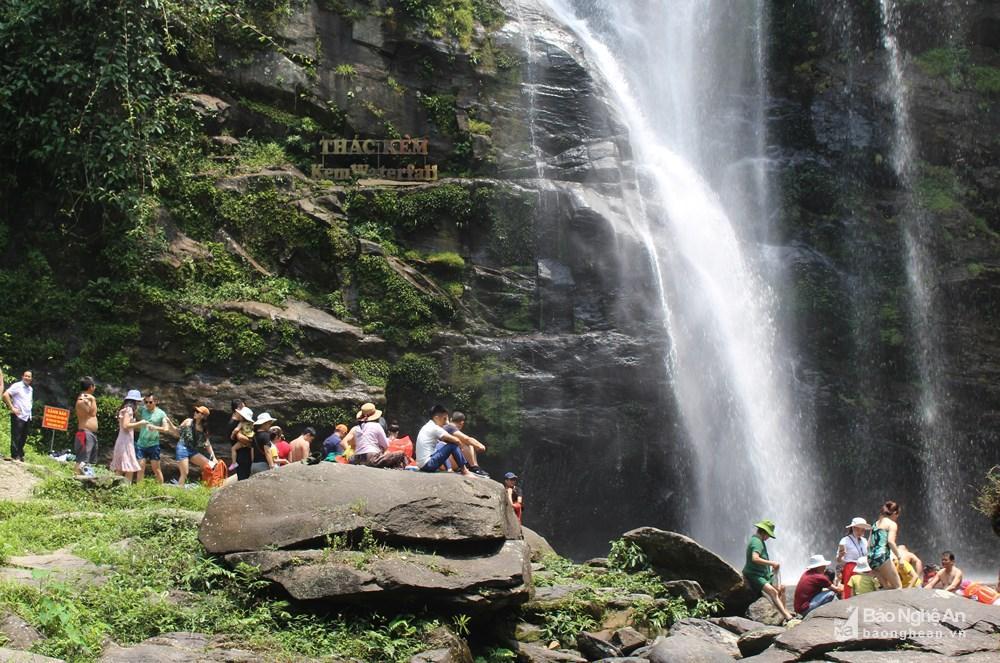 Hơn 3.000 lượt khách du lịch đến Con Cuông trong 3 ngày nghỉ lễ