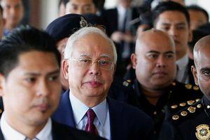Cựu Thủ tướng Malaysia bị cáo buộc 42 tội danh